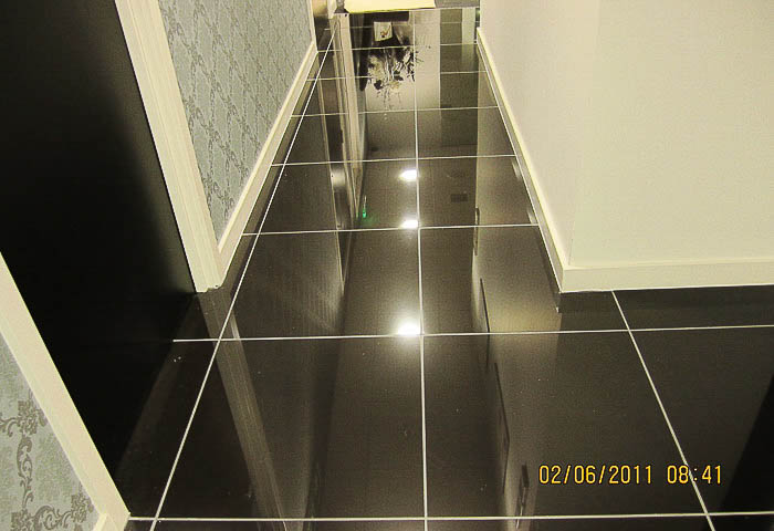 600 x 600 Gloss Porcelain